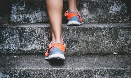 女性のトレーニングについて。胸の鍛え方、腰の鍛え方、お尻の鍛え方。バストアップなどにも効果的