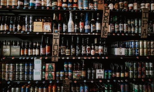 アルコールは血糖値を上げたりしませんが下げる邪魔をします