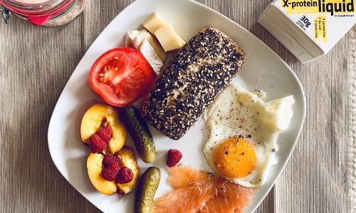 たんぱく質をたくさん摂ると代謝があがり、さらには摂取カロリーを減らす効果があるのをご存知ですか?